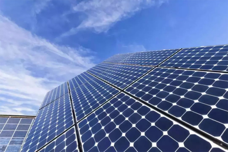 The development of photovoltaic module technology